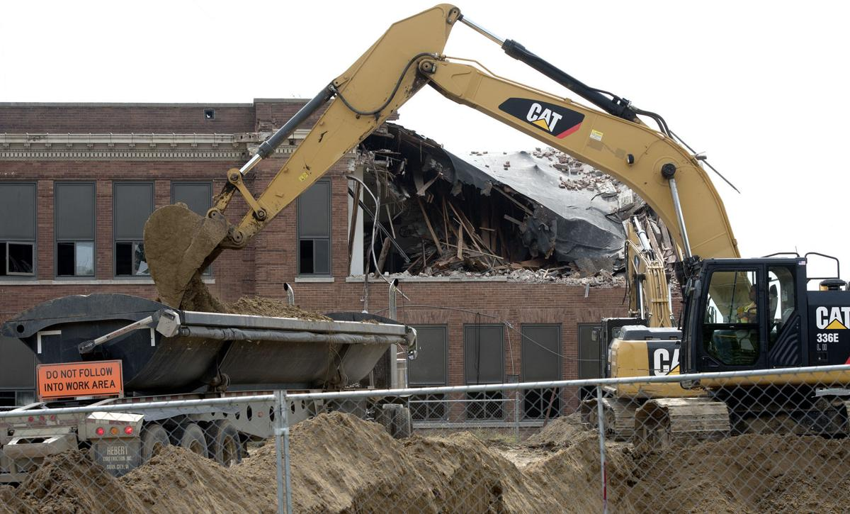 Hunt School demolition