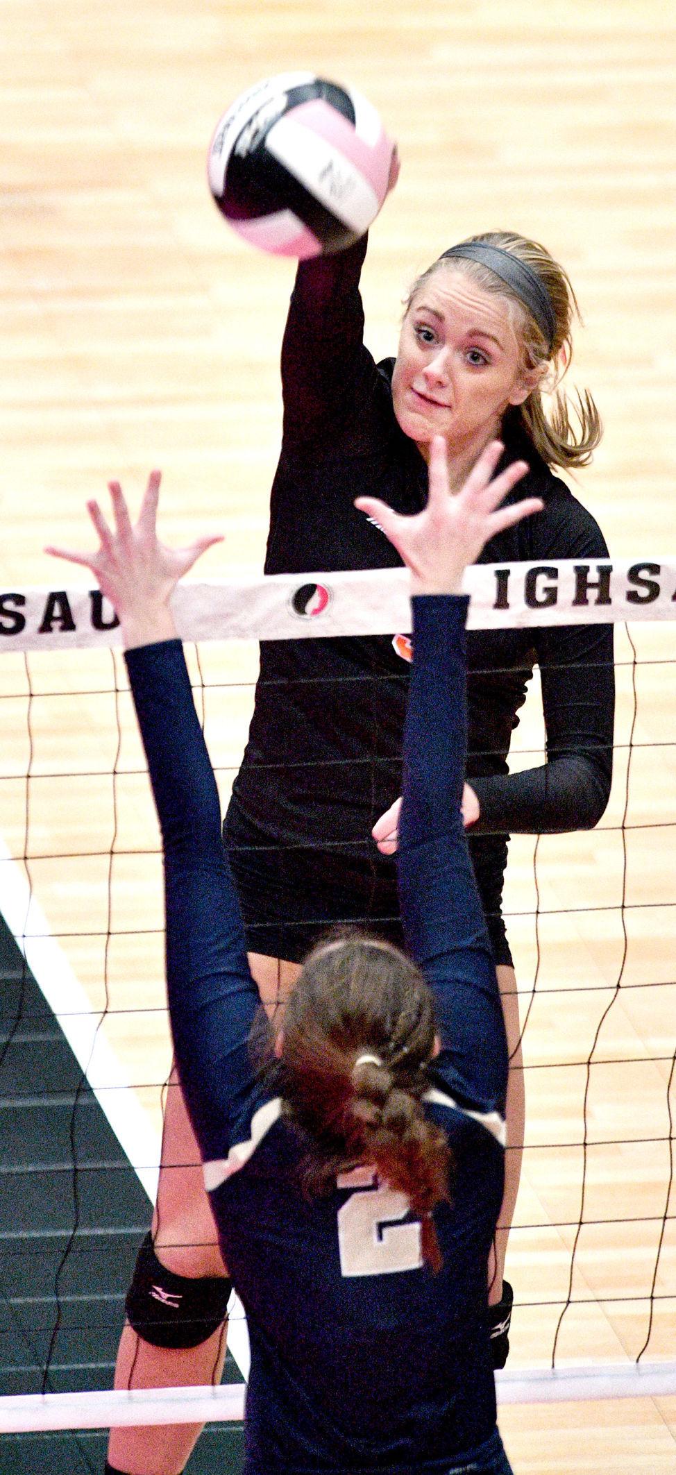 Sergeant Bluff-Luton vs Bishop Heelan state volleyball