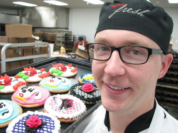 HyVee baker knows wee hours well Siouxland Life