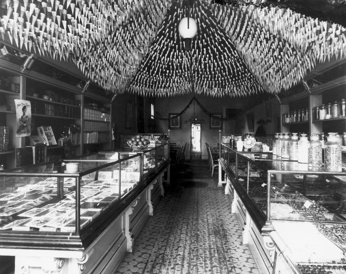 Candy makers 1900