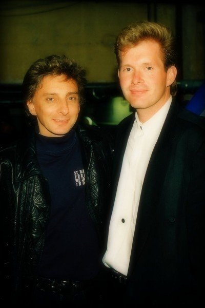 Barry Manilow Writes The Songs Another Barry Shoots The Album Cover