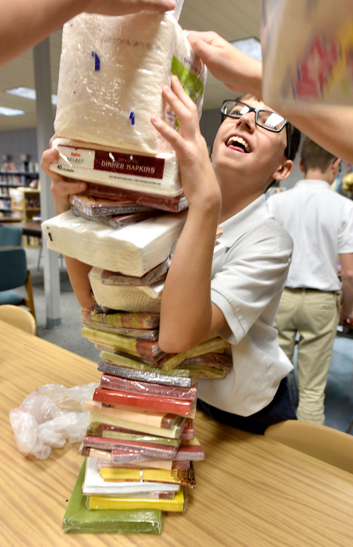 horlyk thankful students pack boxes so others can feast