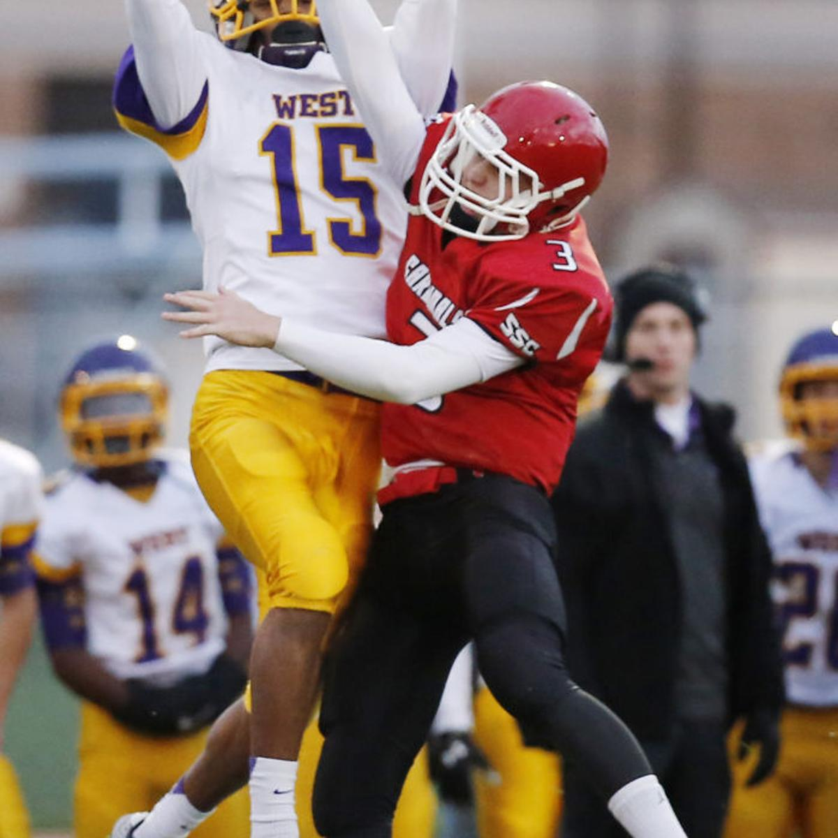 Photos Bellevue West At South Sioux City Football South Sioux City High School Siouxcityjournal Com