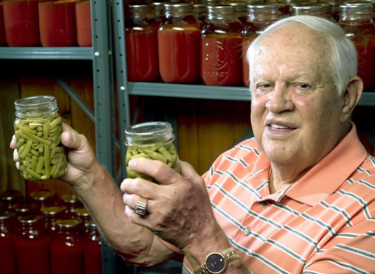 Korean War veteran Donald Deen