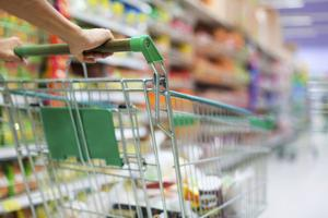 Fareway, Hy-Vee, Walmart awarding bonuses and other benefits, prompted by COVID-19 crisis