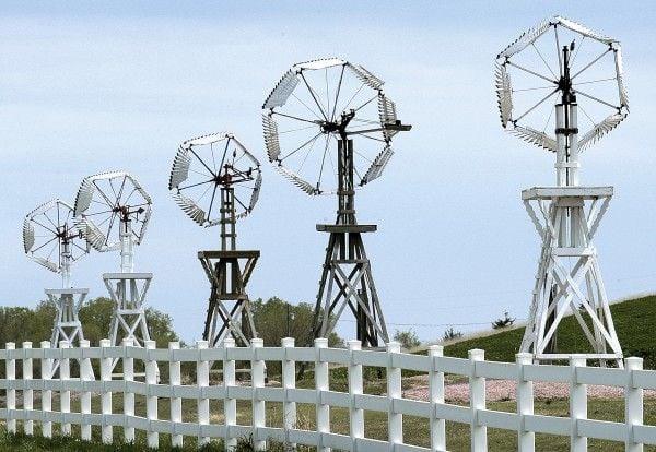 Gill landfill windmills
