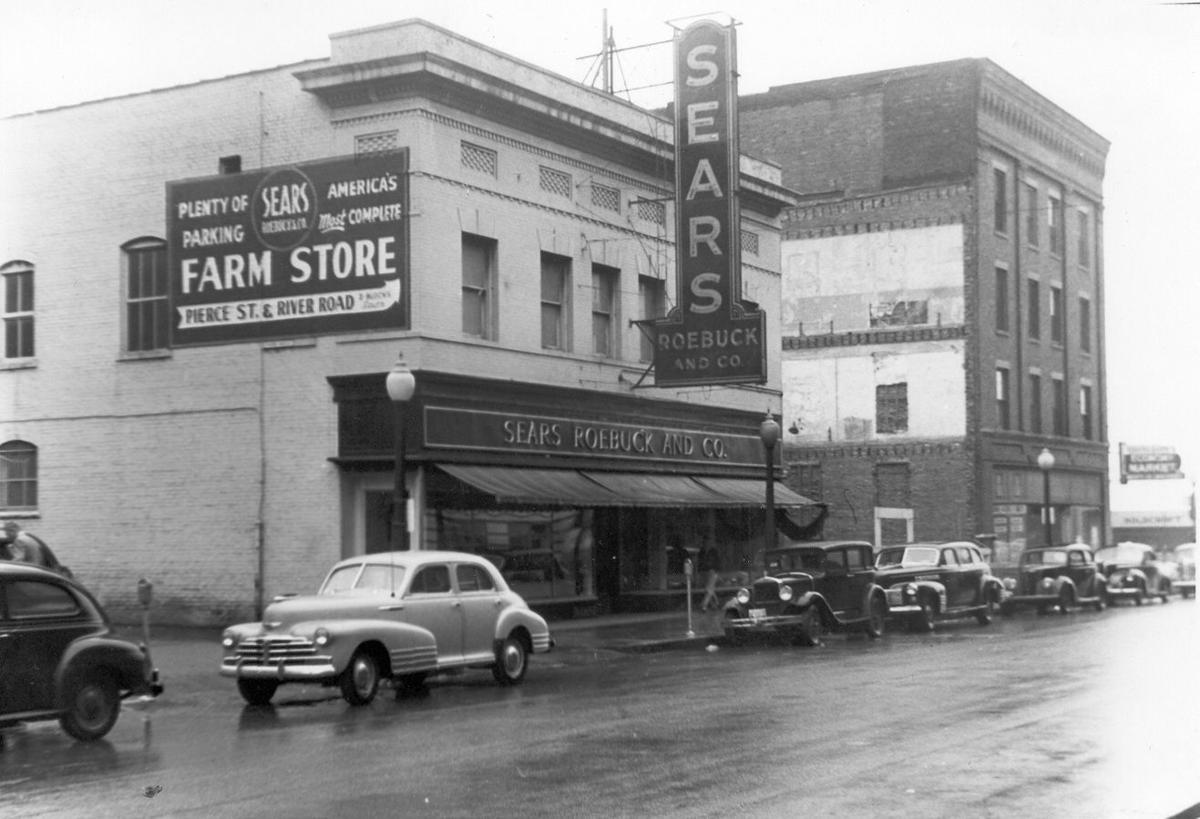 Sears store downtown Sioux City 1946