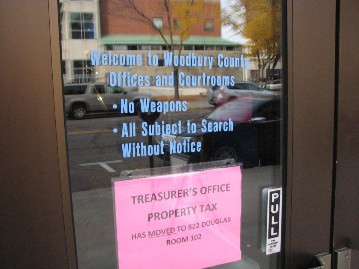 woodbury county courthouse doors