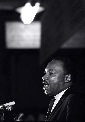 New memoir by AP reporter recalls covering MLK and family