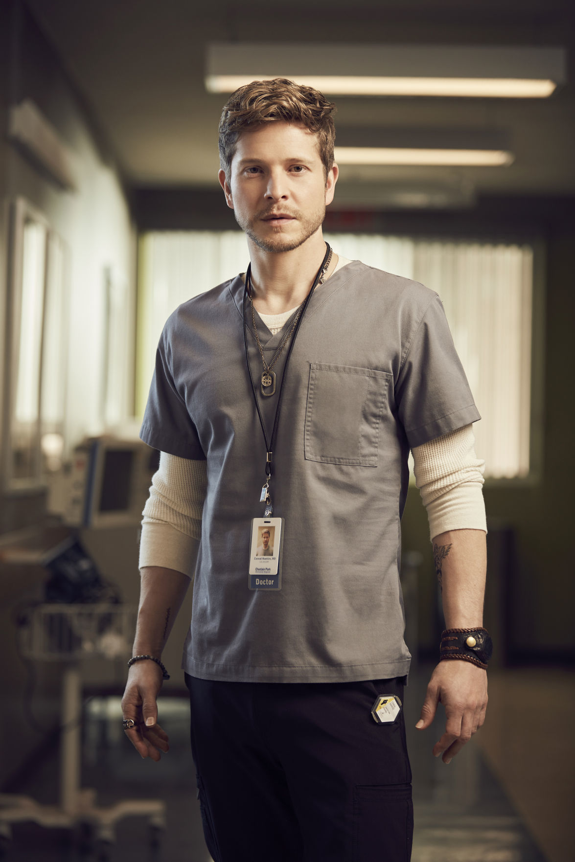 Matt Czuchry embraces the empathy in 'The Resident ...