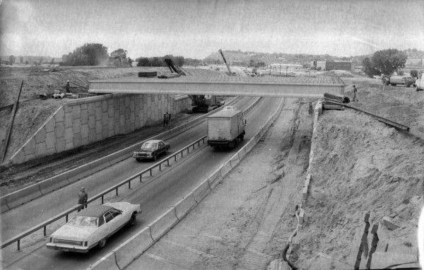 Veterans Memorial Bridge construction