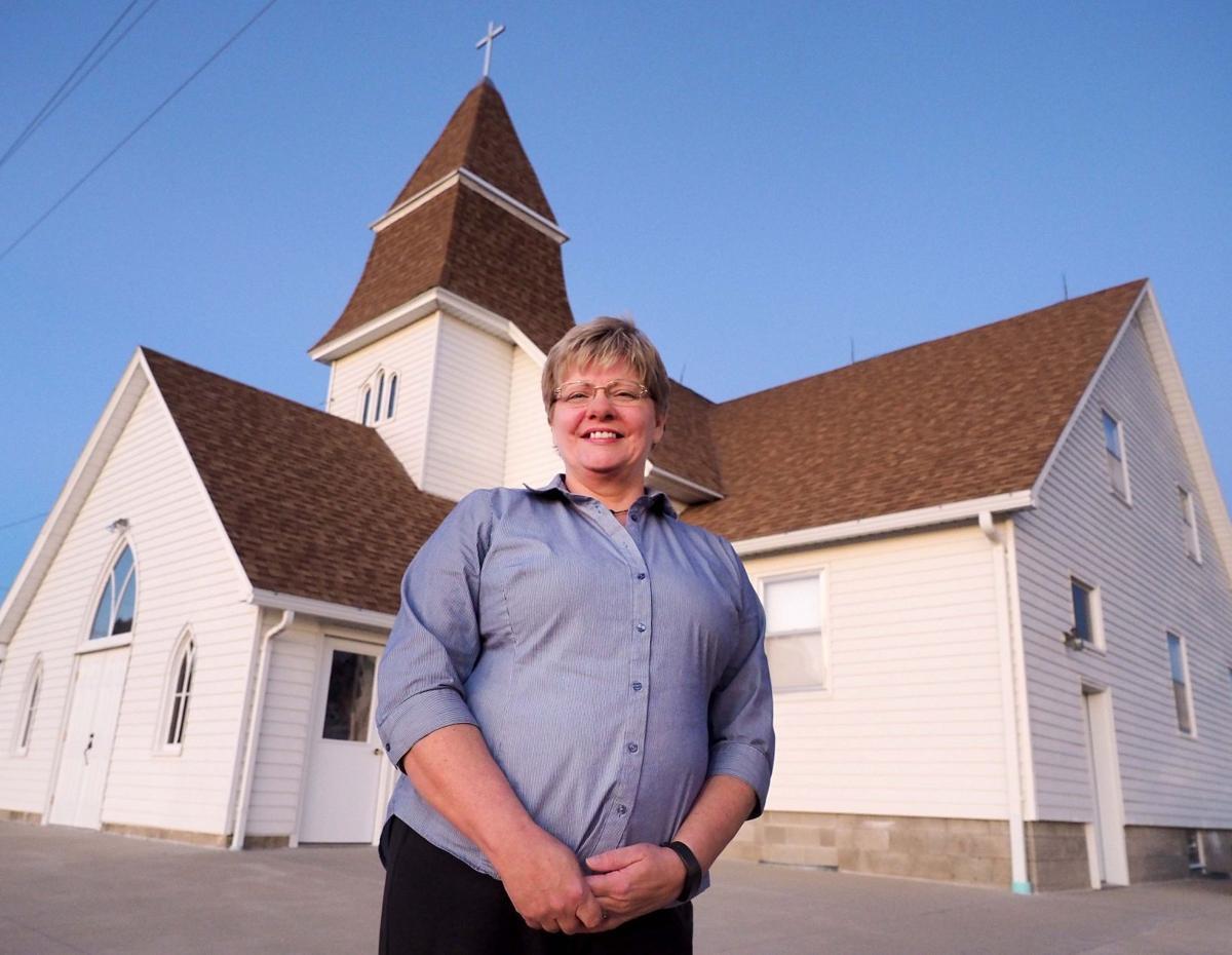 Pastor Kim Dewey