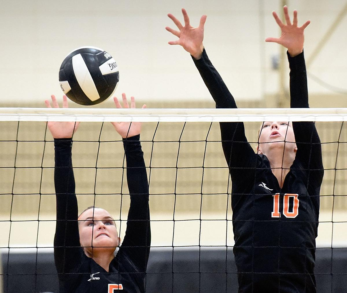 Volleyball Sioux City West at Sergeant Bluff-Luton
