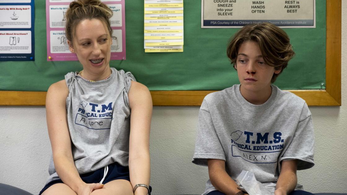 Review Pen15 Reveals The Quirks, Joys Of Middle School -7812