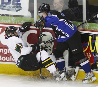 Musketeers vs Lincoln Hockey