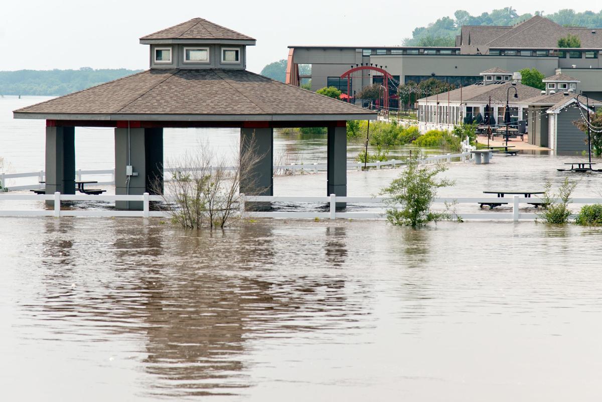 Dakota Dunes prepares to evacuate as Missouri River nears