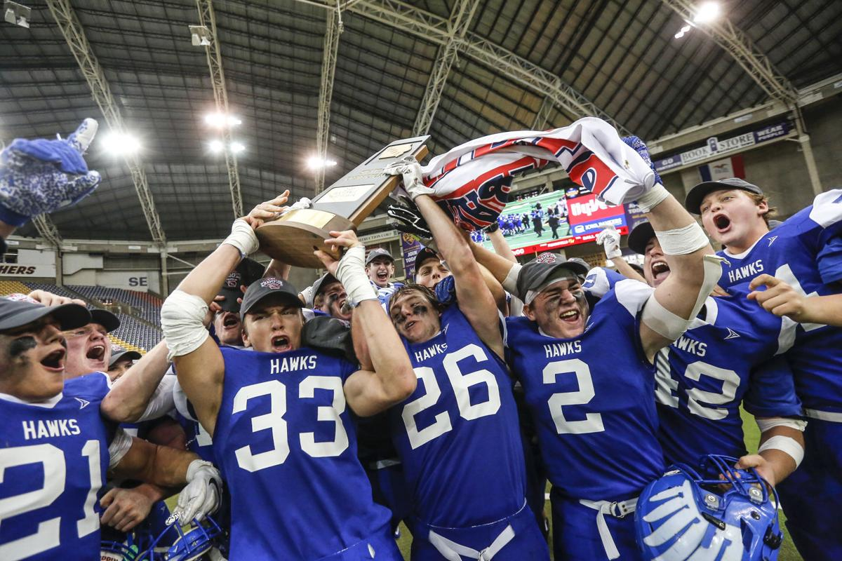 (TOP-10 No. 3 STORY) State FBall Remsen St. Mary's vs. Fremont Mills 15