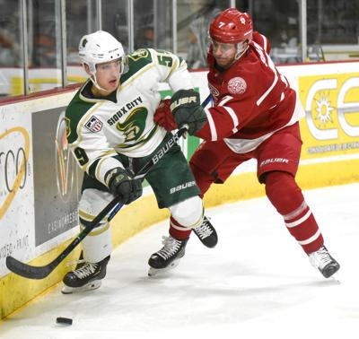 Hockey Sioux City Musketeers vs. Dubuque Fighting Saints