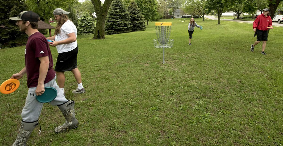 Morningside May term disk golf class
