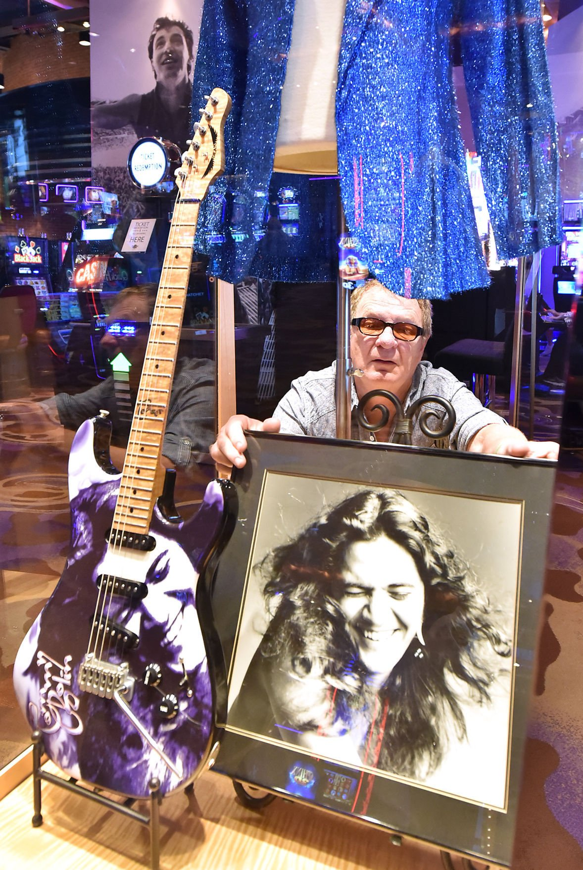 tommy bolin artifacts on display for deep purple show at sioux city 39 s hard rock news. Black Bedroom Furniture Sets. Home Design Ideas