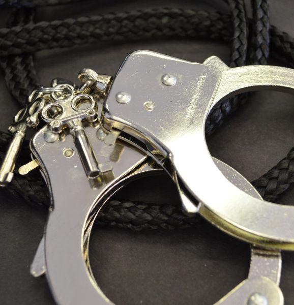 Weekender -- handcuffs & rope