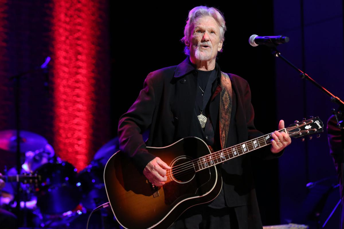 Country Legend Kris Kristofferson Sets 2017 Concert In