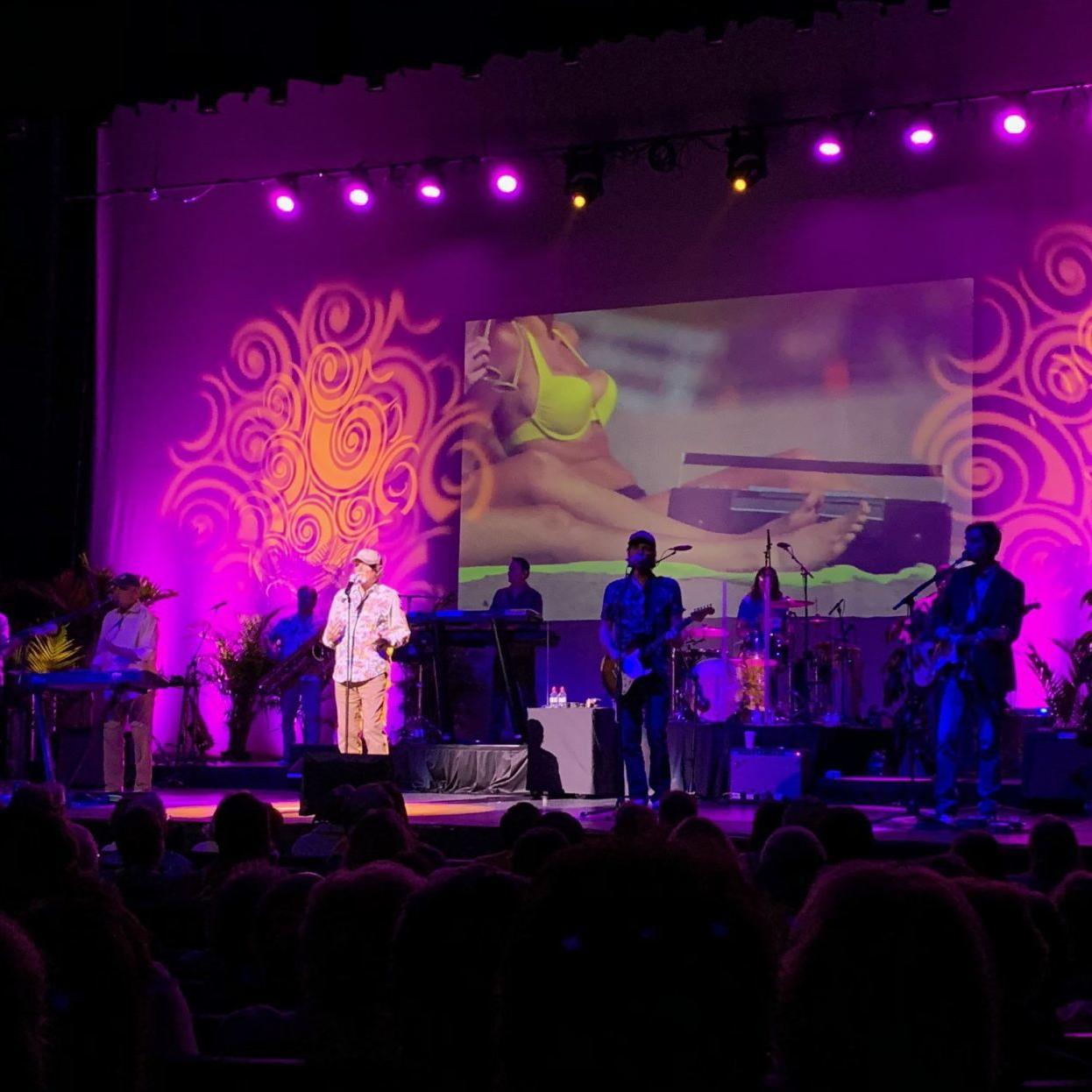 REVIEW: In Sioux City show, the Beach Boys rekindle past