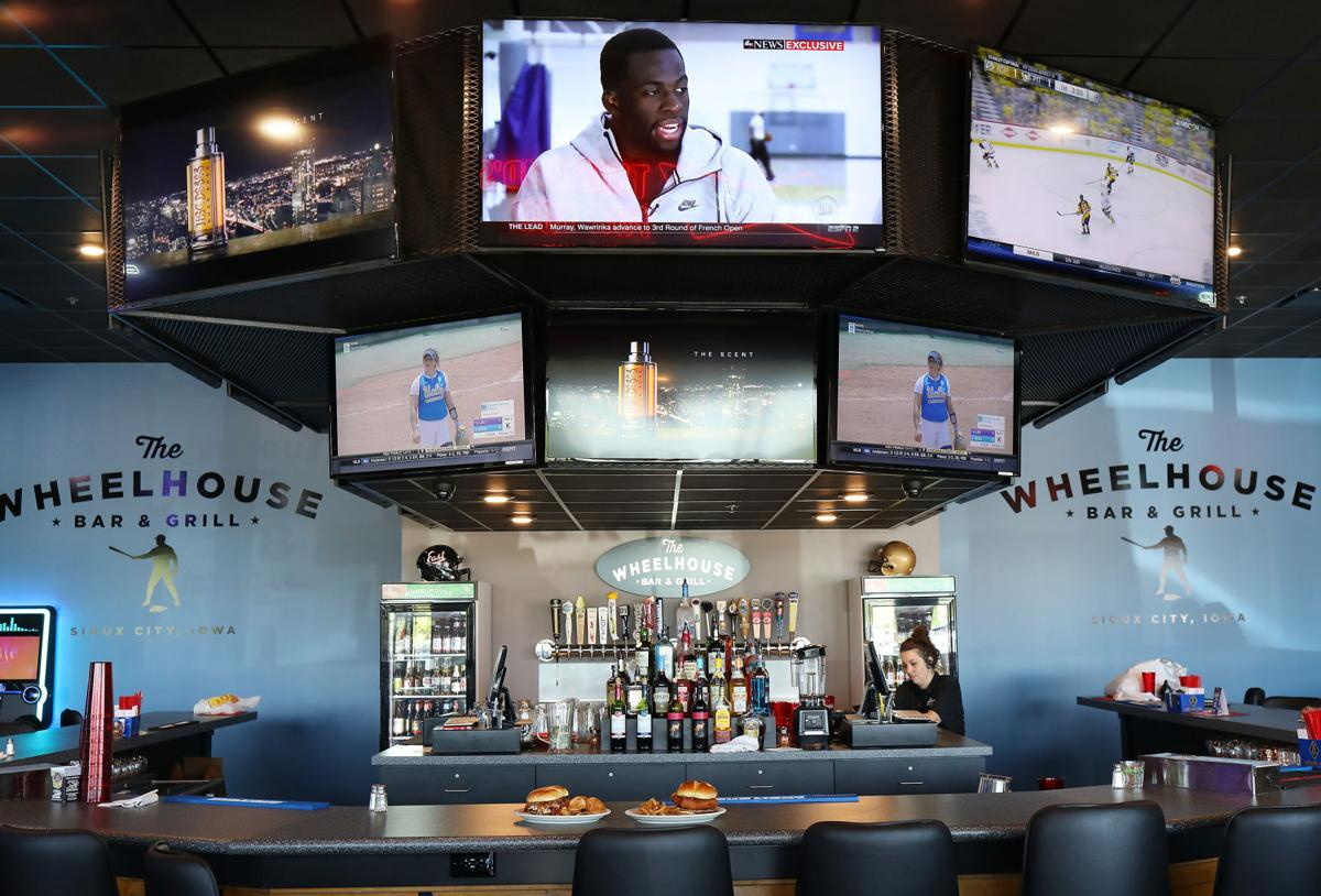 Wheelhouse Bar & Grill