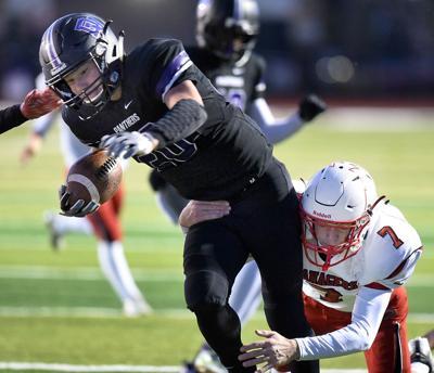 Football Vermillion at Dakota Valley