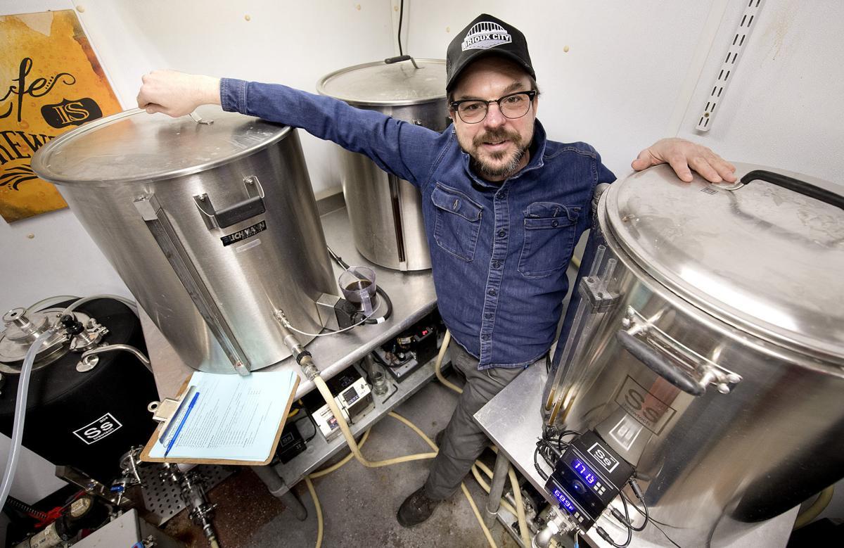Brioux City Brewery brew day (Weekender)