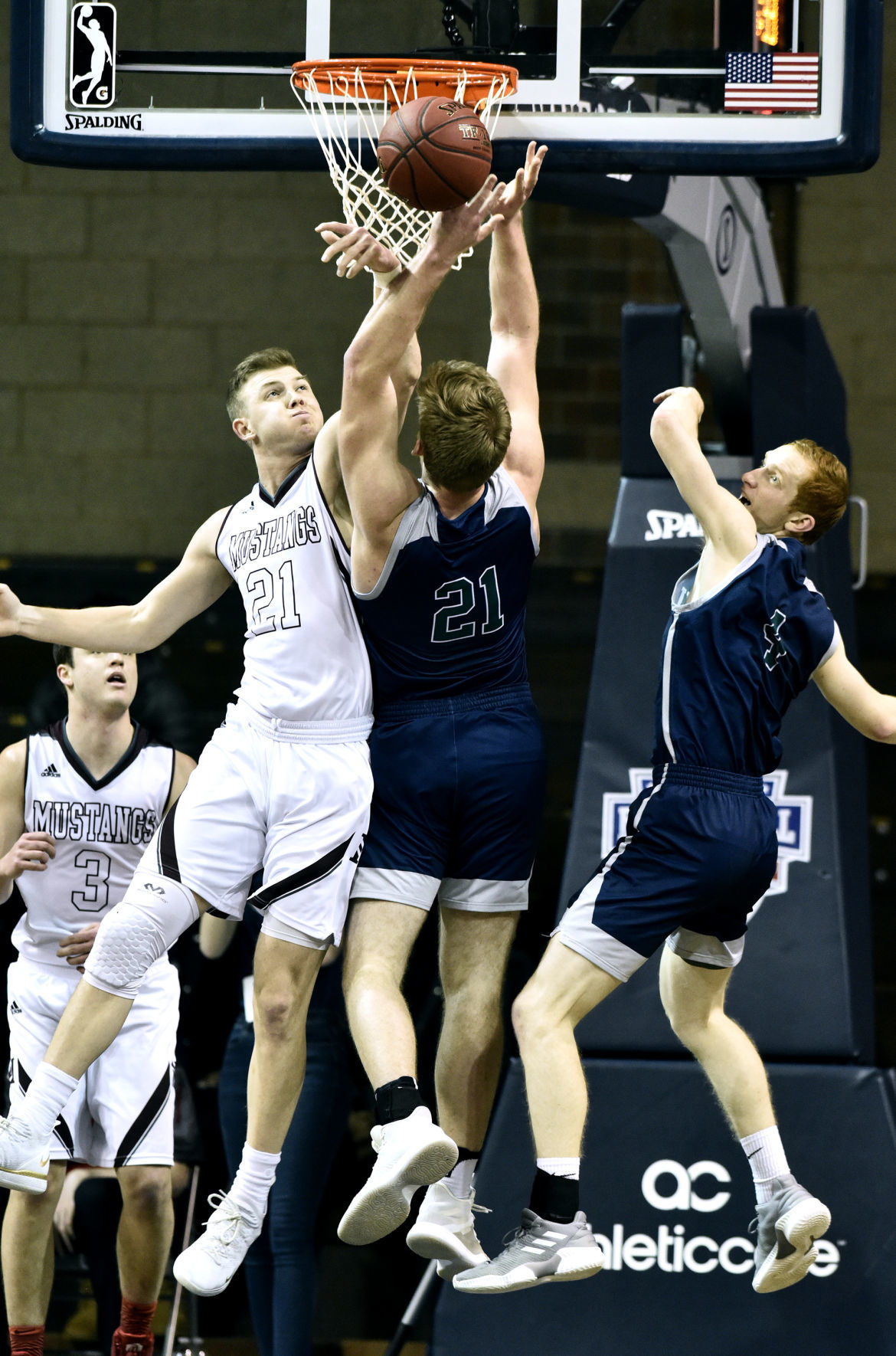 Morningside grinds out win to get to NAIA D-II ...