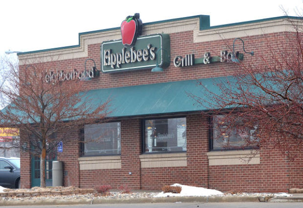Mar 18, · Applebee's Saturday Cinnamon Special (Not available in all locations. Please call ahead): Fireball, Pinnacle Cinnabon, RumChata or Cuervo Cinge just for $3 from P.M. until closing time. Applebee's Everday Specials: The popular 2 for $20 /5(22).