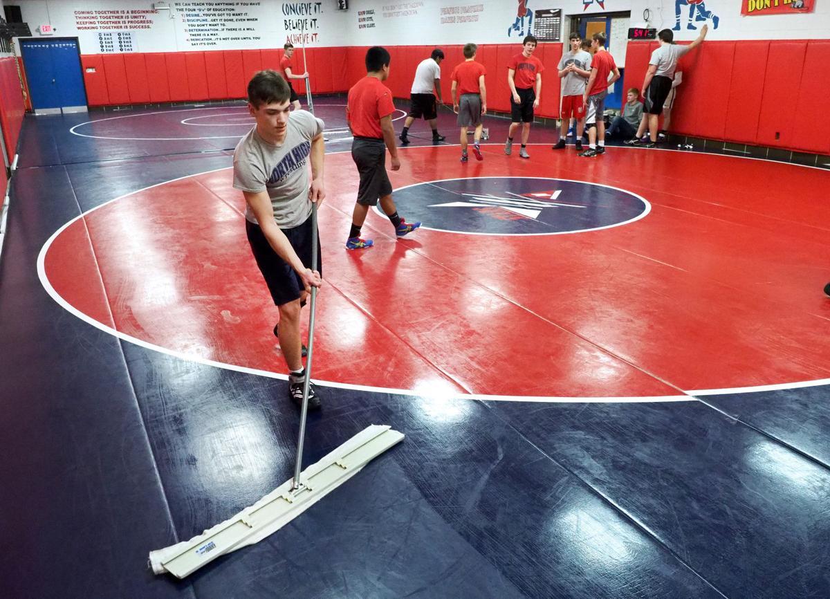Wrestling mats MRSA