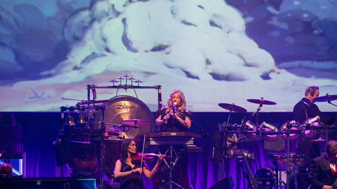 REVIEW: Mannheim Steamroller gets season going with familiar holiday ...