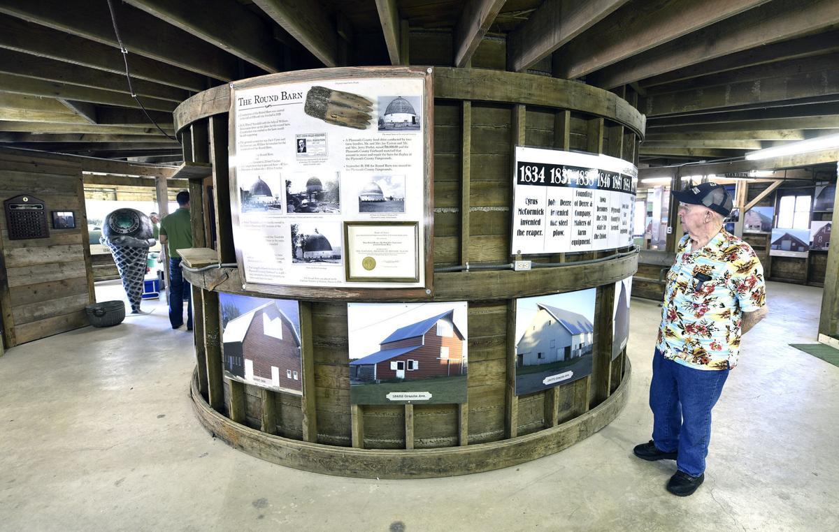 Tonsfeldt round barn