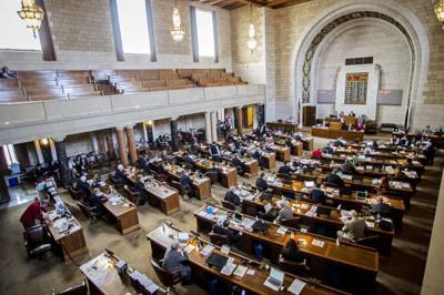 Legislature Last Day, 04/17/2014