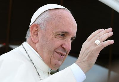 Pope sets up Vatican panel to study female deacons issue