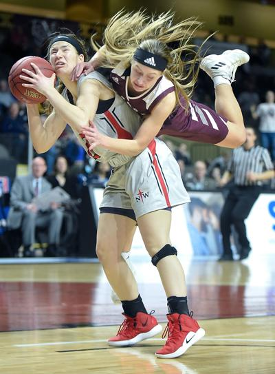 Basketball NAIA Northwestern vs. Ozarks  (Best Action)
