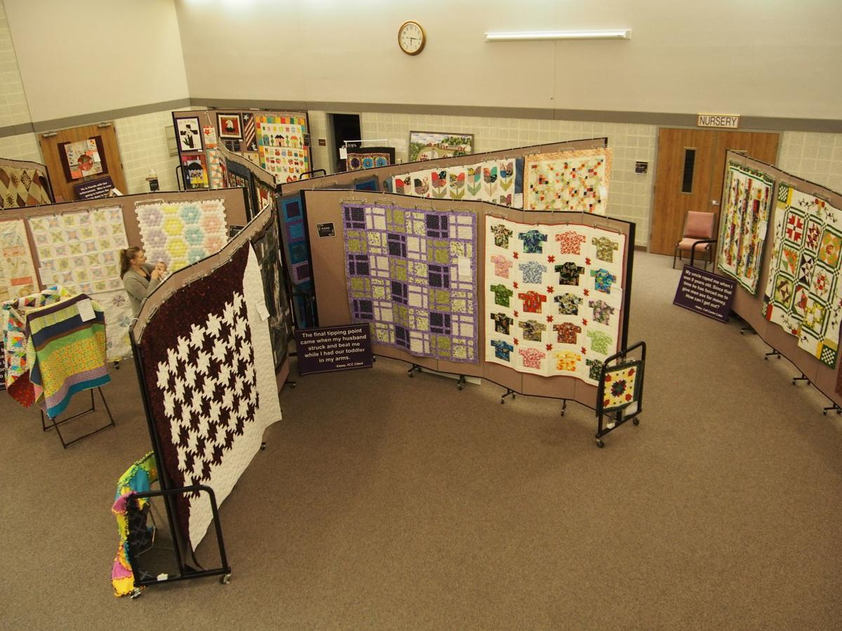 Holiday Quilt Show