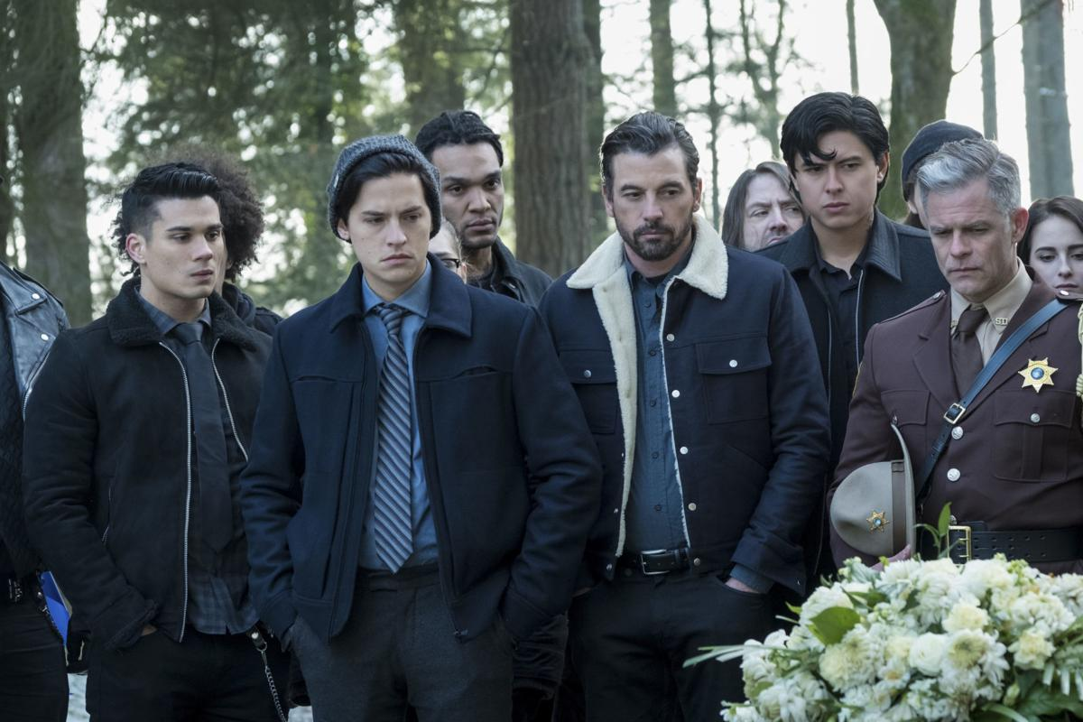 Skeet Ulrich finds 'Riverdale' intriguing, Cole Sprouse, smart ...