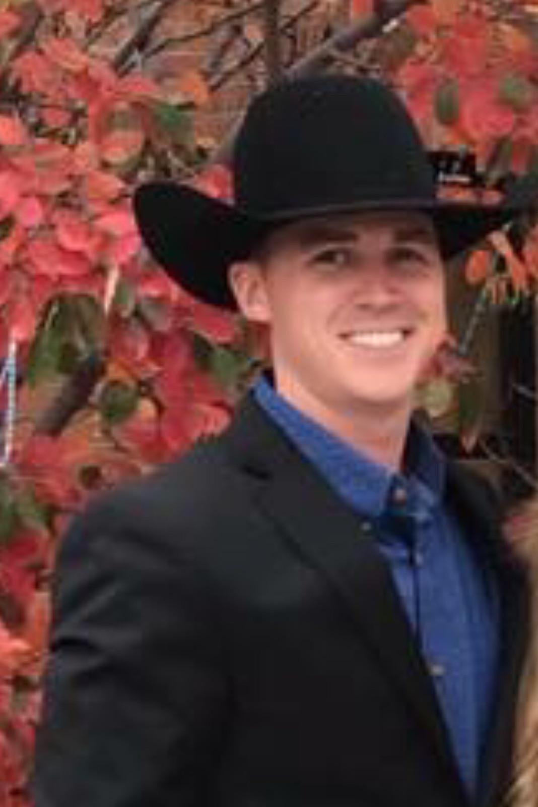 Army career segues into rodeo bullfighting run for Iowan ...