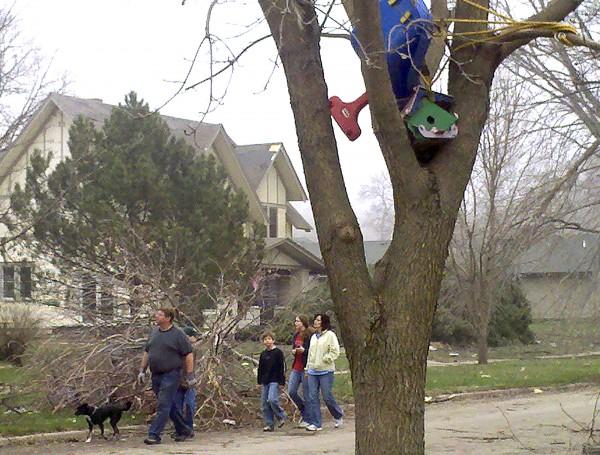 Mapleton tornado damage