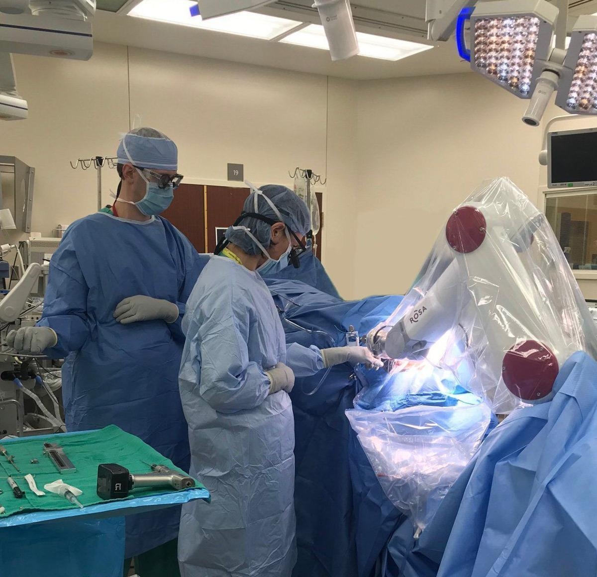 Aviva Abosch in surgery