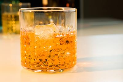Alcohol use disorder: When is drinking a problem?