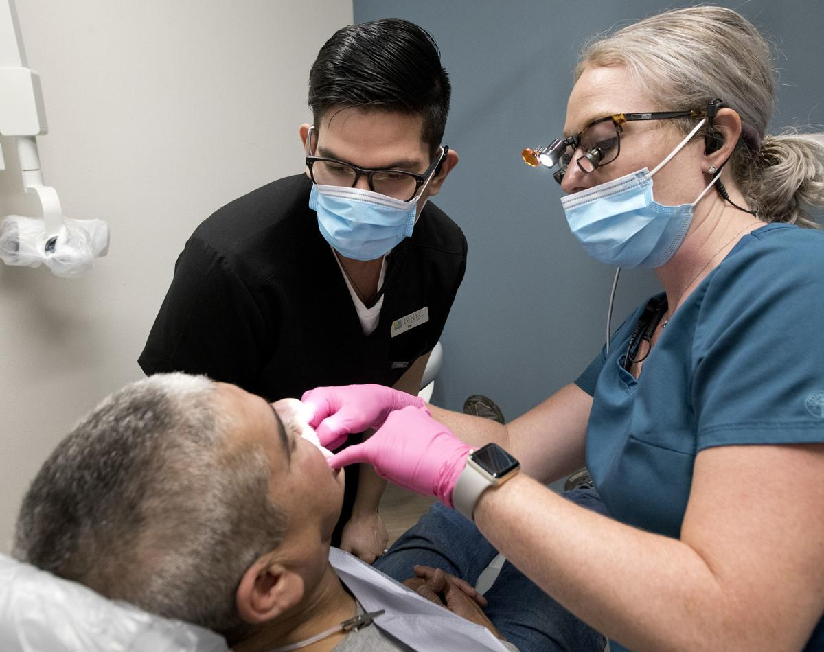 Dental assistant Leonardo Marquez