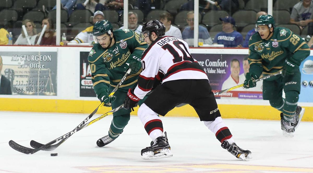 Chicago Steel at Musketeers hockey Clark Cup game 2