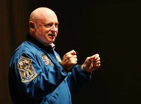 Photos: Astronaut Mark Kelly | News | siouxcityjournal.com