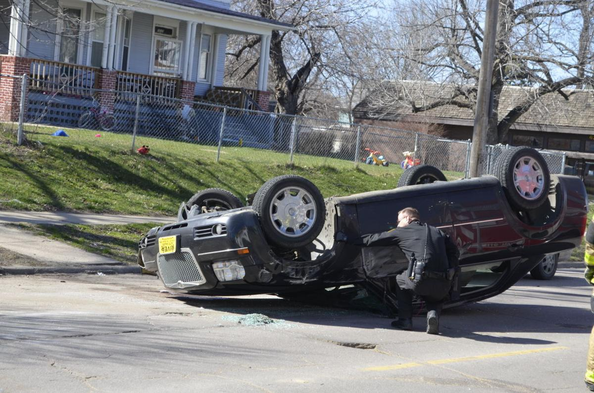 Rollover on Jackson Street in Sioux City injures 1 | Local