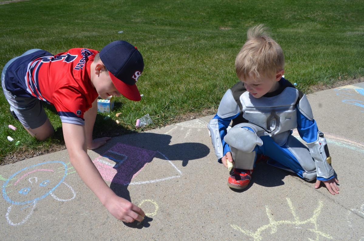 kid sidewalk artists