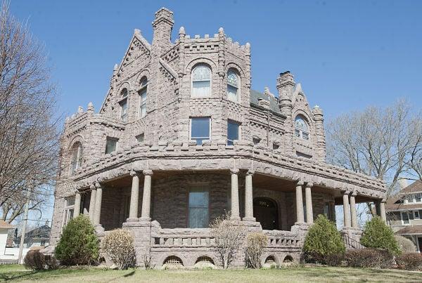 Peirce Mansion Tour